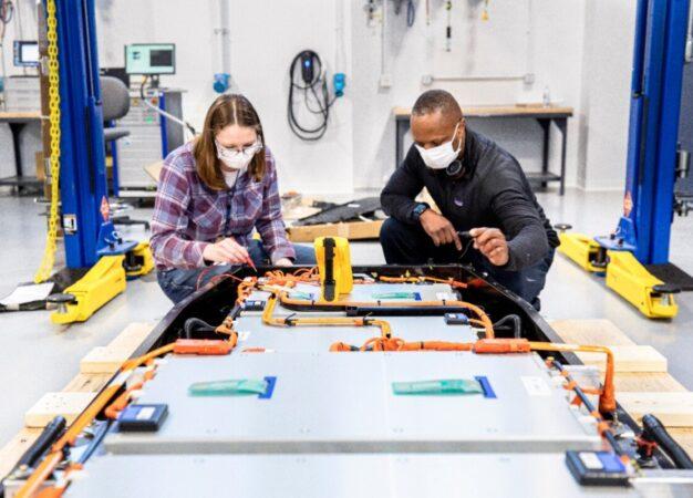 Ford Ion Park: un centro dedicato a ricerca e sviluppo batterie
