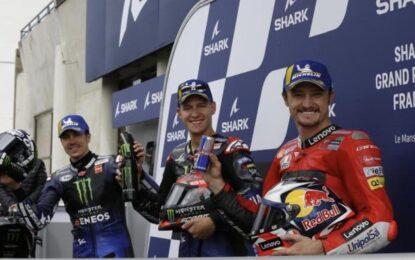 Doppietta Yamaha Quartararo-Vinales in qualifica a Le Mans. Rossi 9°