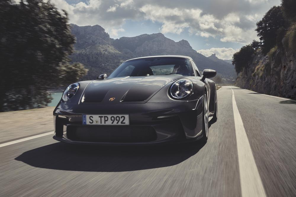 Nuova Porsche 911 GT3 con pacchetto Touring