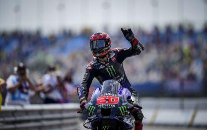 Ad Assen doppietta Yamaha con Quartararo e Viñales, terzo Mir