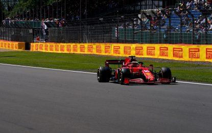 A Silverstone libere come il vecchio warm-up. Ferrari 2° e 3°