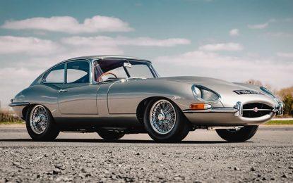 Jaguar E-type, un'icona che celebra 60 anni