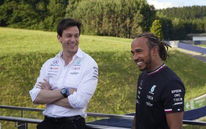 Mercedes e Lewis Hamilton insieme per altri due anni